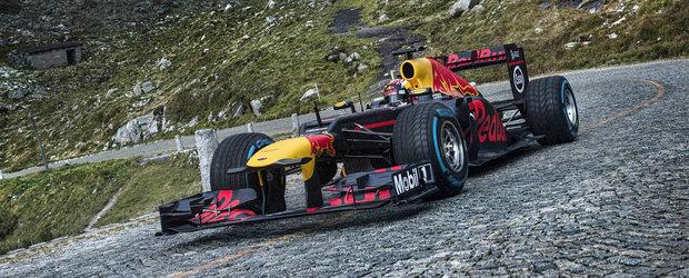 Asa ceva nu vezi in fiecare zi. Un monopost de Formula 1 ataca o trecatoare veche de 200 de ani
