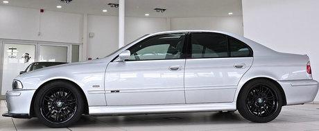 Ascunde sub capota un motor V8 si ofera o cutie manuala. Uite cu cat se vinde acest BMW M5 din 2003