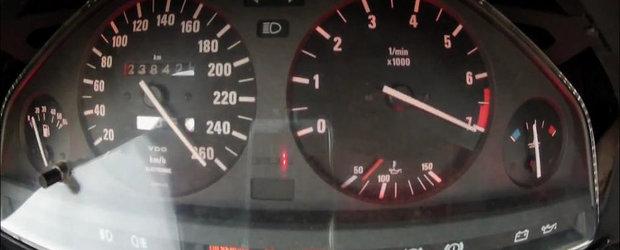 Asta da acceleratie! Un BMW E30 turbo da peste cap ceasurile de bord