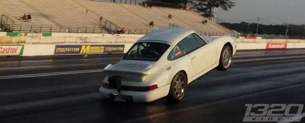 Asta da WHEELIE! Un Porsche de 1.300 CP se ridica pe doua roti la o cursa de acceleratie