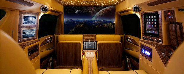 Asta-i cu siguranta cel mai luxos SUV din lume. Se bate de la egal la egal cu Rolls-Royce Phantom!