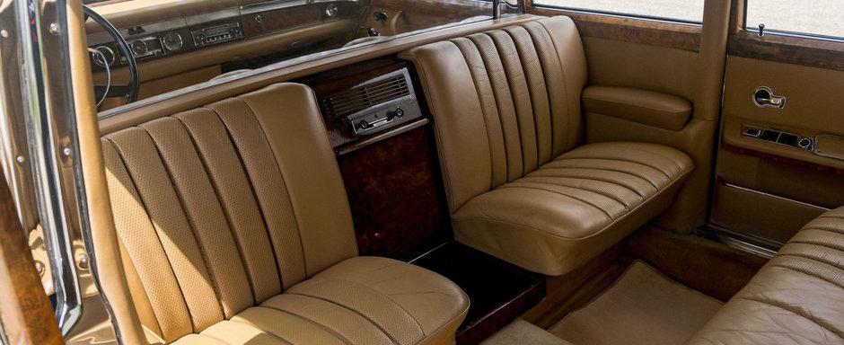Asta reprezenta luxul suprem in urma cu 50 de ani. Limuzina se vinde 100% originala si nerestaurata