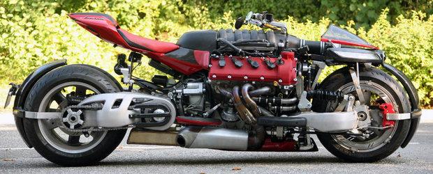 Asta trebuie sa fie cea mai nebuna motocicleta din lume. Are motor de Maserati si 470 de cai putere