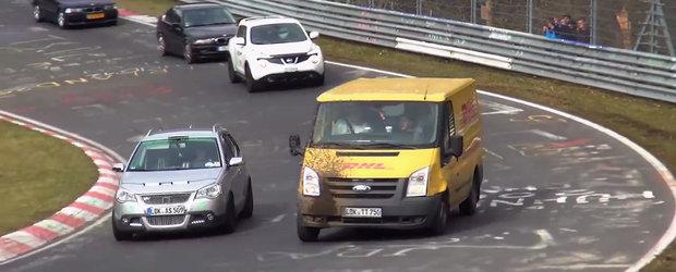 'Astepta cineva un colet?' VIDEO cu cele mai ciudate masini surprinse in actiune la Nurburgring