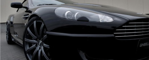 Aston DB9 defileaza pe podiumul Wheelsandmore