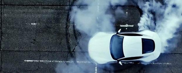 Aston Martin DB10 'picteaza' un 007 cu anvelopele din dotare