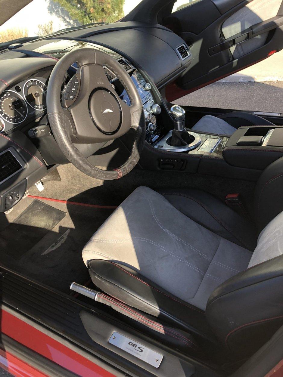 Aston Martin DBS de vanzare