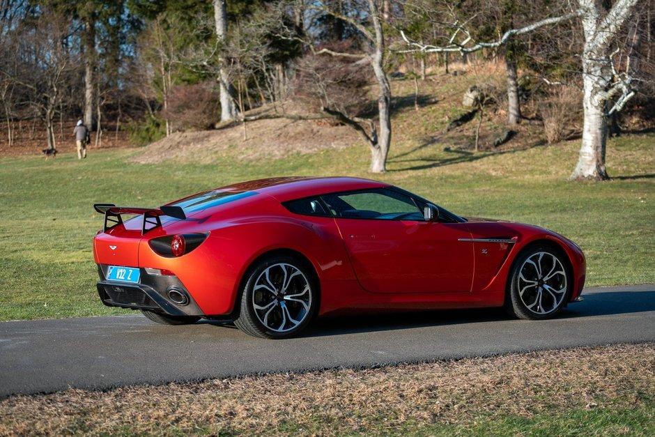 Aston Martin V12 Zagato de vanzare