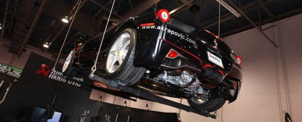 Atentie la cap! La SEMA Show 2010, Ferrari-urile plutesc. La propriu!