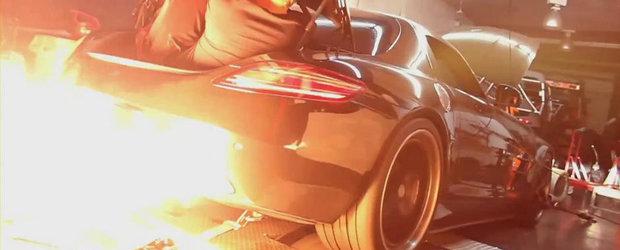 Atentie la... foc! Un SLS AMG Twin-Turbo scuipa flacari uriase pe evacuare