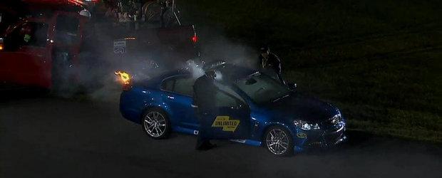Atentie, Safety Car in flacari! Noul Chevy SS ia foc in timpul unei curse NASCAR