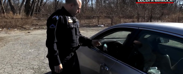 Ati vazut si in Romania asemenea politisti ingaduitori?