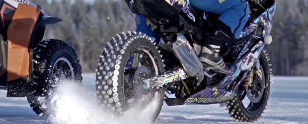 ATV vs. motocicleta pe zapada. Cine castiga?