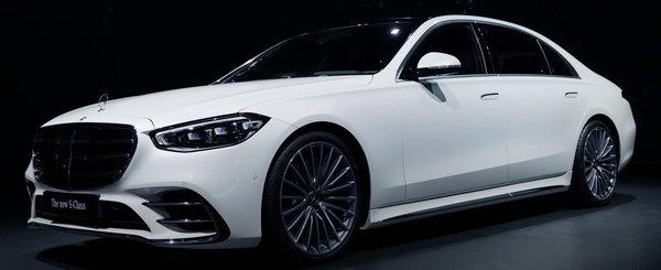 Au fost la evenimentul de lansare si l-au filmat din toate unghiurile. Cum arata in realitate, fara Photoshop, noul Mercedes S-Class