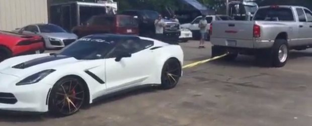 Au procedat sau nu corect? Pedeapsa aplicata unui Corvette parcat in mijlocul drumului.
