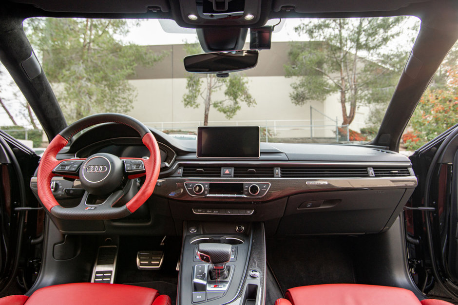 Audi A4 Allroad cu piese de S4