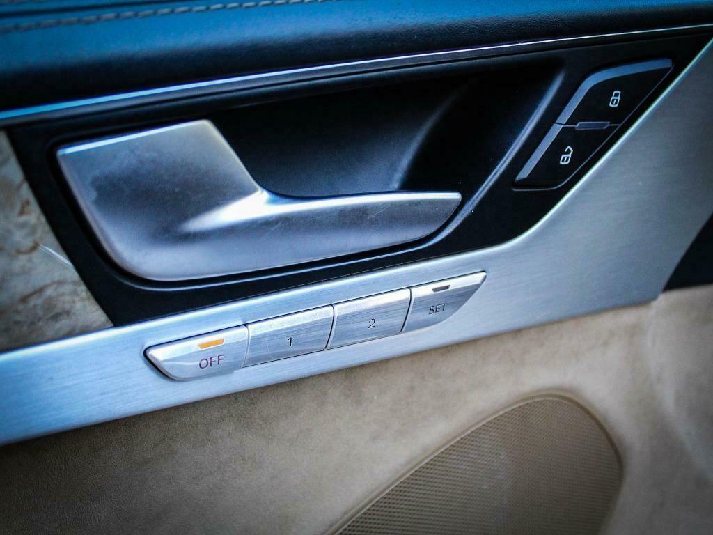 Audi A8 cu 855.315 kilometri la bord - Audi A8 cu 855.315 kilometri la bord