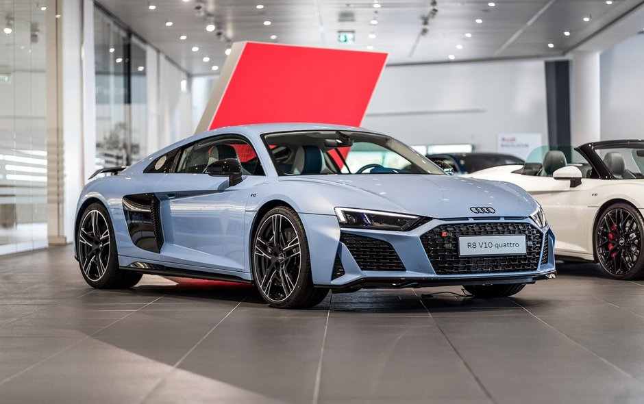 Audi R8 in Frosted Glass Blue