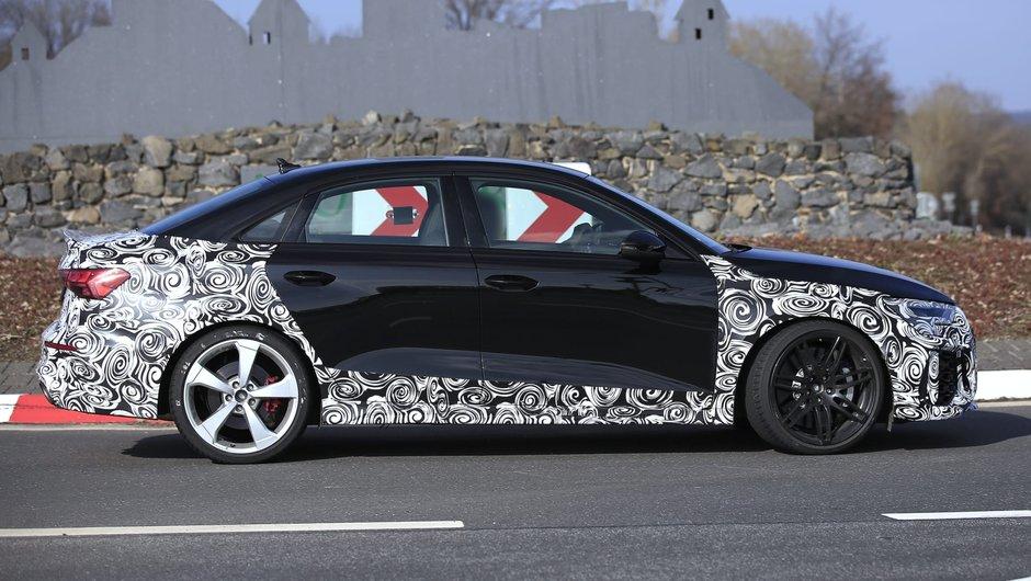 Audi RS3 Sedan partial camuflat