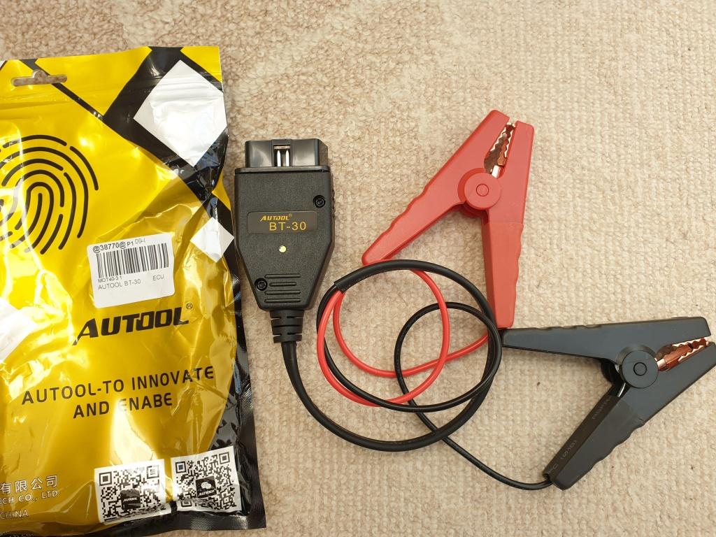 Autool BT-30 Clesti alimentare ECU pentru schimbare baterie / acumulator auto