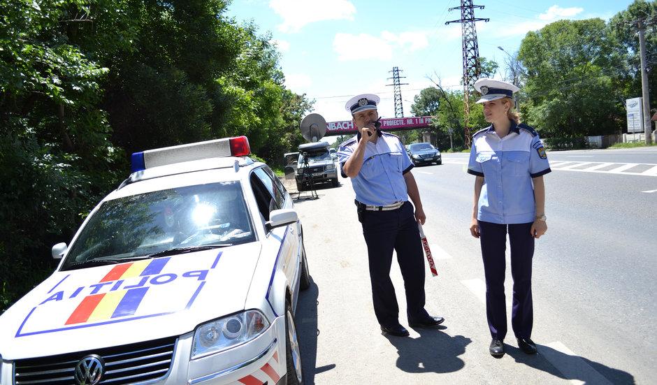 Autoritatea politistilor a fost intarita prin lege. Sau nu prea?