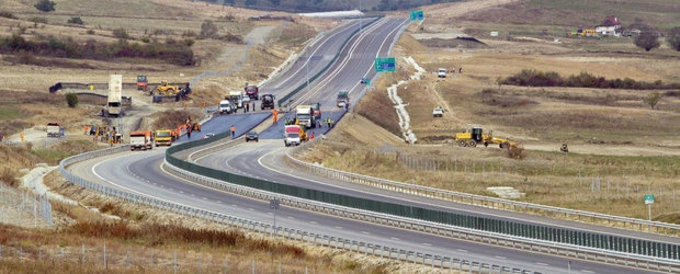 """Autoritatile continua sa deschida """"cioturi"""" de autostrada. Alti 13.7 km dati in folosinta in doua zile"""