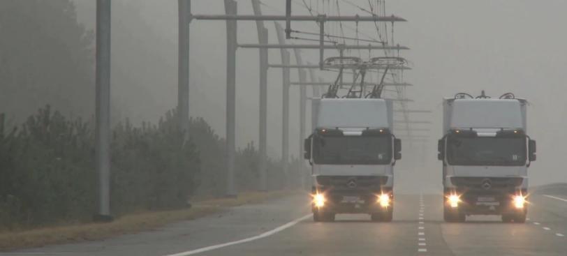 Autostrazile electrice pentru camioane, o realitate. Uite cum arata un camion-tramvai!