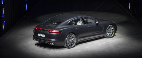 Avem primele imagini reale ale noului Porsche Panamera. Uite cum arata super-sedanul german fara pic de machiaj