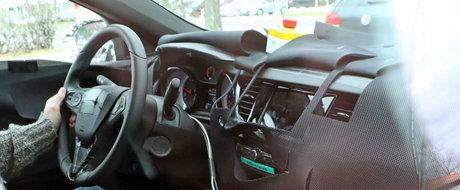 Avem primele imagini spion cu noul Opel Insignia. Uite cum arata interiorul masinii germane