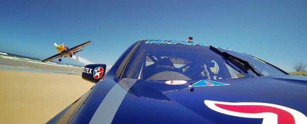 Avion vs. V8 Supercar: cursa pe o plaja din Australia
