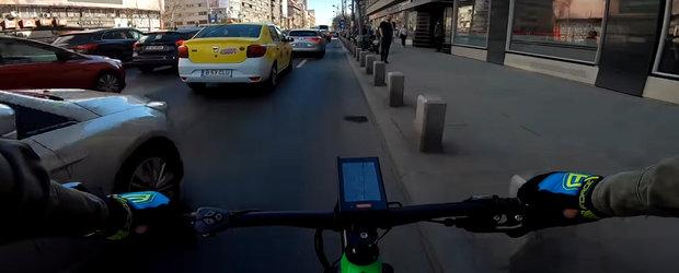 Baiatul asta pe bicicleta ne-a citit gandurile cu privire la d-na Firea si traficul din Bucuresti