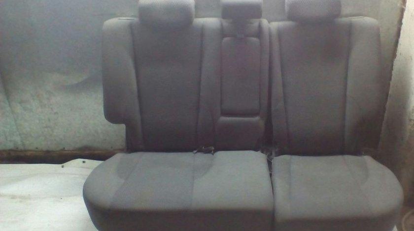 Bancheta rabatabila Hyundai Tucson n 2005-2010