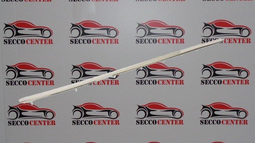 Bandou bara spate Mercedes C Class W202 1993 1994 1995 1996 1997 crom mijloc