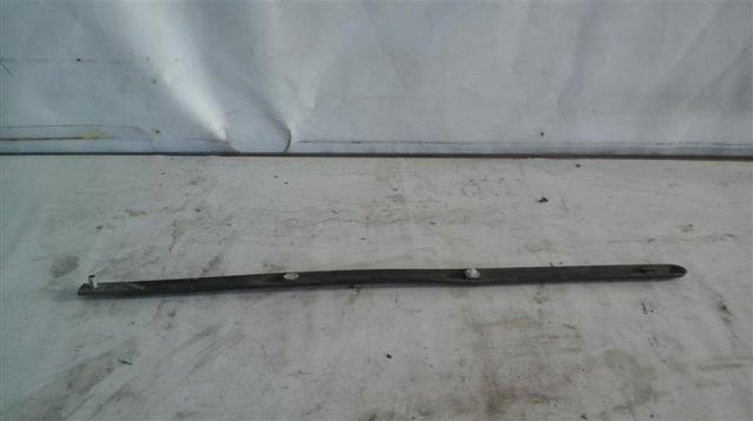 Bandou usa spate stanga / dreapta Dacia Logan An 2004-2008; cod 8200209882 ST24534