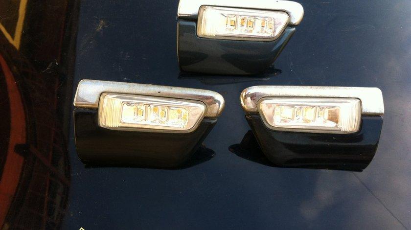 Bandouri cu semnalizare aripa stanga/ dreapta Audi A8 D3 4E an 2003 - 2010