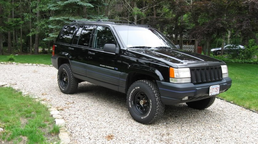 Bandouri Jeep Grand Cherokee 5 2i V8 an 1997 ornamente Jeep Grand Cherokee 5 2i V8 an 1997