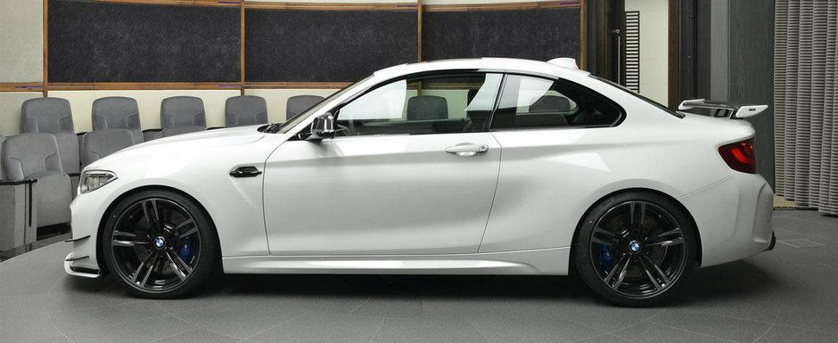 Bani sa ai, ca masini gasesti. Spre exemplu acest BMW M2 venit tocmai de la arabi