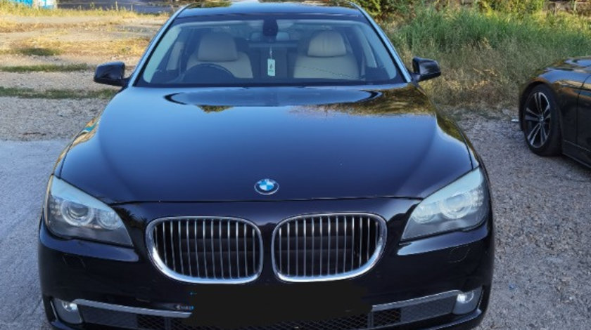 Bara fata BMW F01 seria 7 3.0 245cp berlina