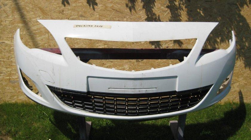 Bara fata Opel Astra 2010