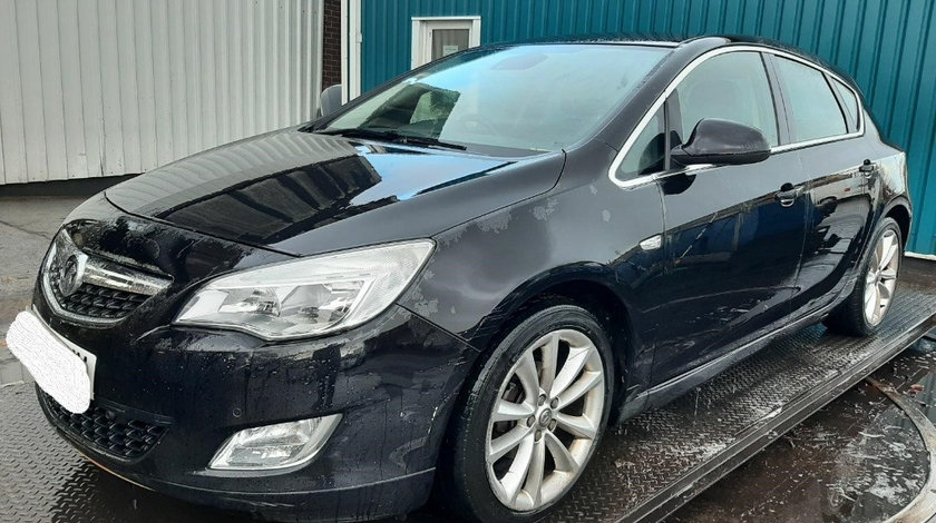Bara fata Opel Astra J 2011 Hatchback 1.4 TI