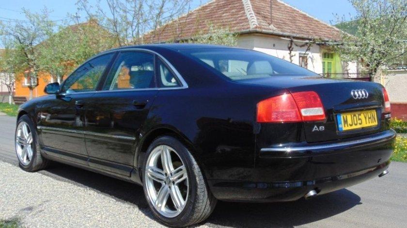 Bara fata spate spoiler grila capota portbagaj Audi A8 3.0tdi 2004