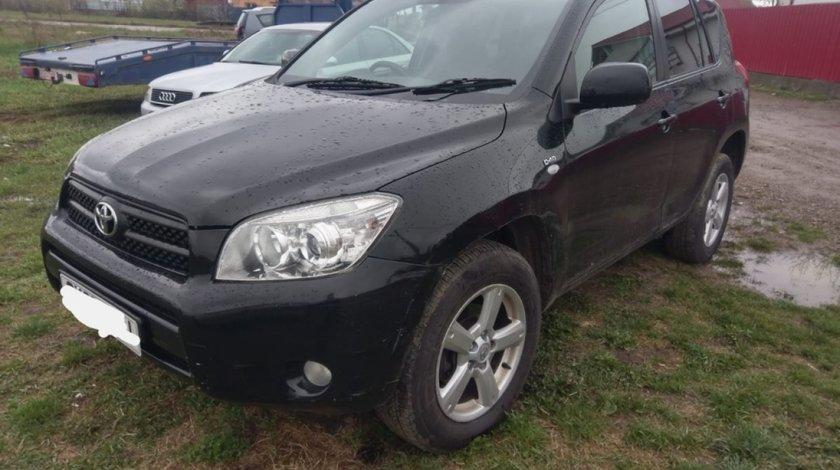 Bara fata Toyota RAV 4 2008 suv 2.2 d-4d 136cp