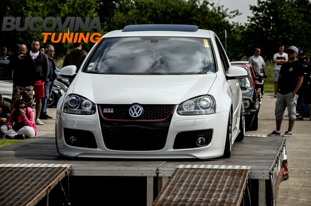 BARA FATA VW GOLF 5 GTI