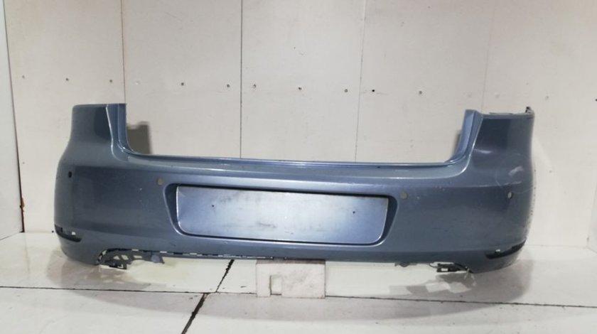 Bara spate Vw Golf 6 Hatchback An 2008 2009 2010 2011 2012 cod 5K6807421 o prindere fisurata in stanga si dreapta cu 4 gauri pentru senzori de parcare date manual