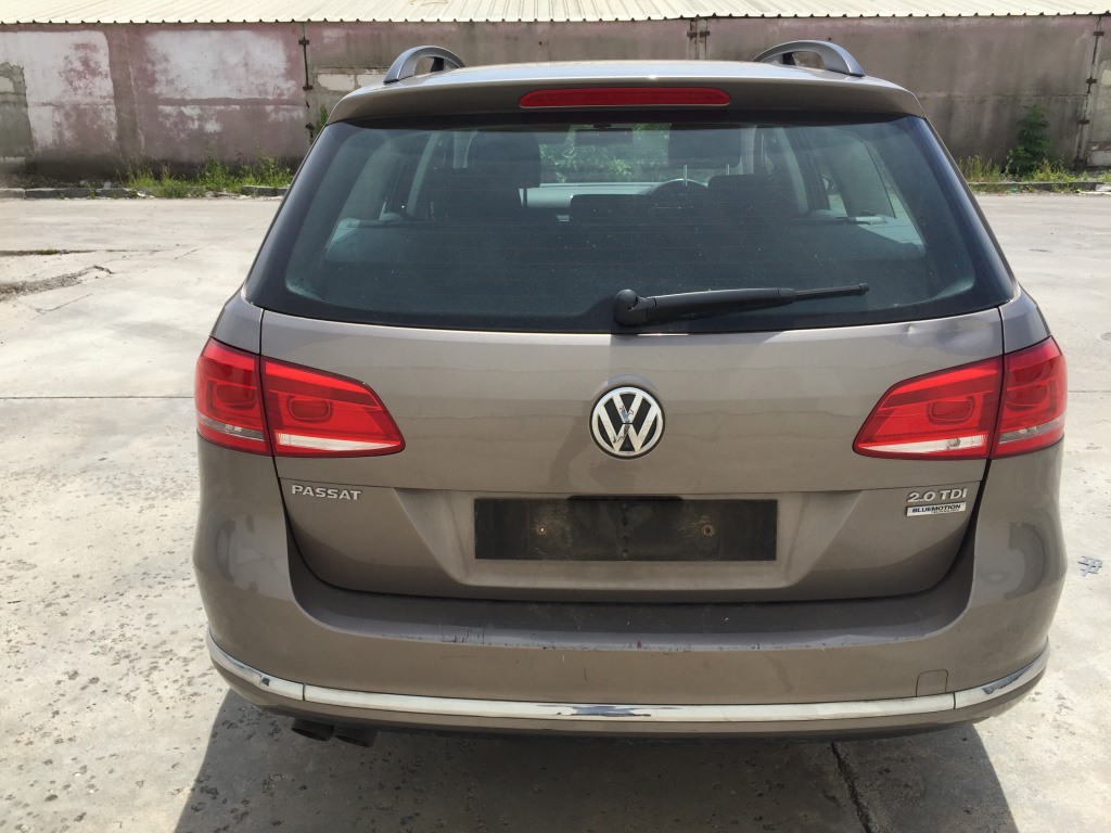 Bara spate VW Passat B7 break