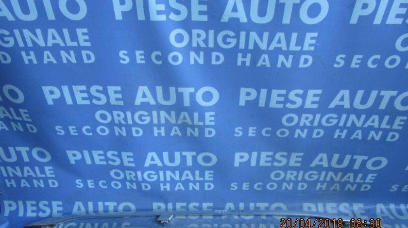Bare transversale Audi A4 ; 8E9860021