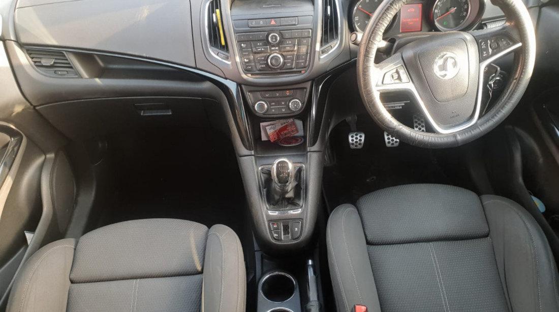 Bascula dreapta Opel Zafira C 2011 7 locuri 2.0 cdti