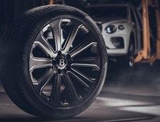 Bentley Bentayga cu jante din fibra de carbon