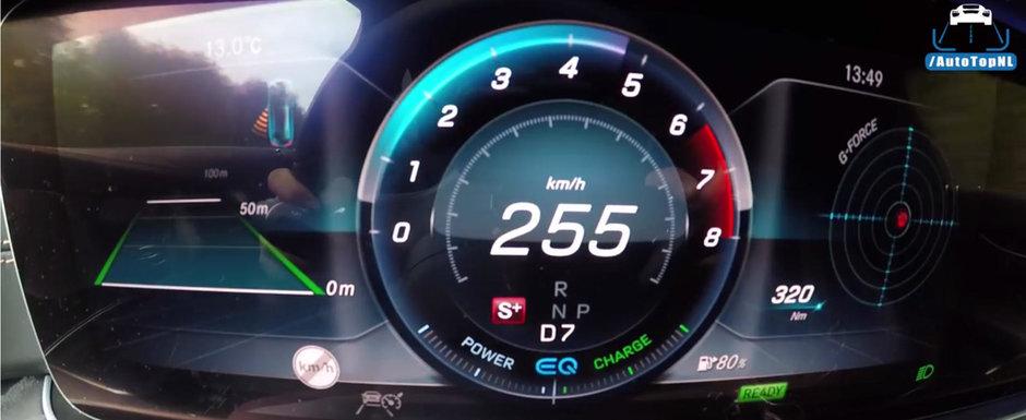 Blana pe autostrada cu noua masina de la Mercedes. Motorul are doar sase cilindri, dar produce aproape 400 CP