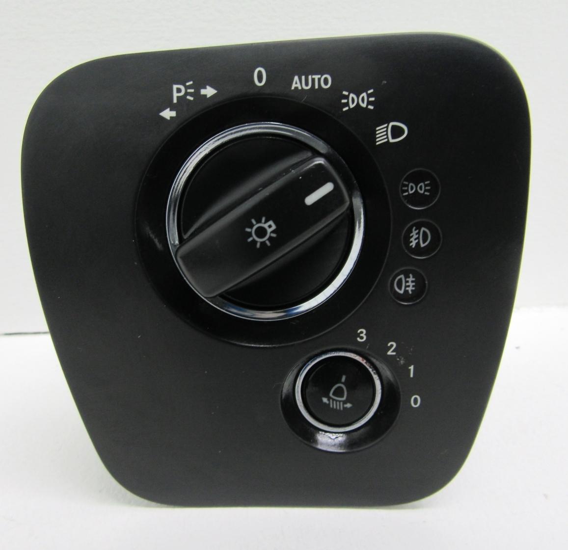 Bloc lumini MERCEDES CLS W219 A2195450604